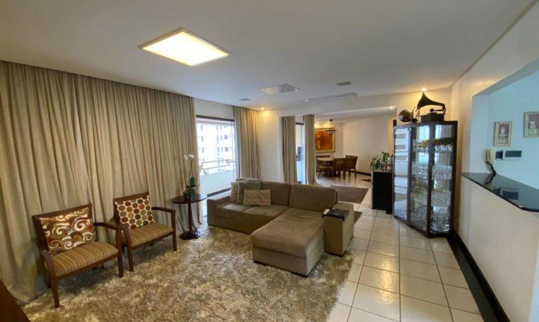 Apartamento no Edifício Salvador Dali